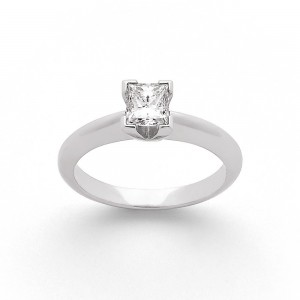 Solitaire Diamant taille princesse 0,70 Carat D VS2 Or blanc