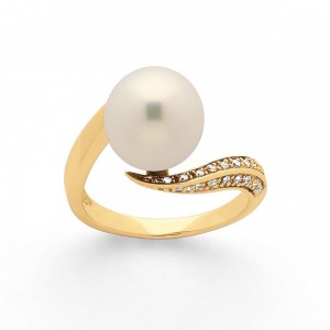 Bague Perle Akoya Japon 9-9,5mm et Diamants 0,10 Carat G SI Or jaune