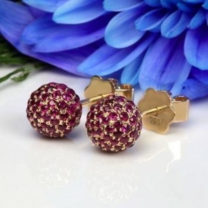 Boutons d'oreilles Rubis pavage Boule 8,0mm Or jaune